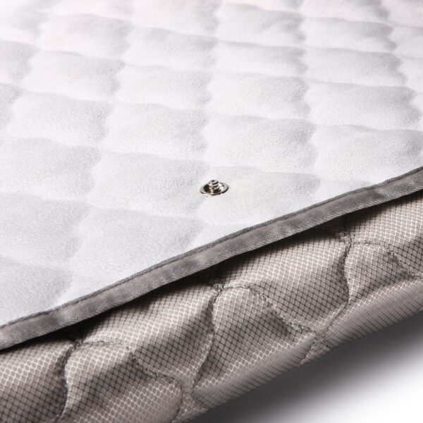 1200x1200_plush_silver_pad_detail_snap